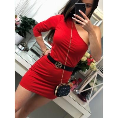 Czerwona dopasowana sukienka na jedno ramię