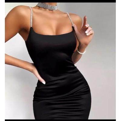 Dulce Czarna dopasowana elastyczna sukienka na kryształowe ramiączkach mini