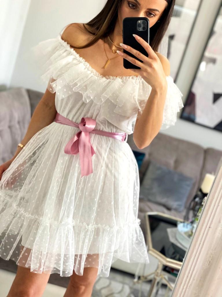 białe tiulowe sukienki