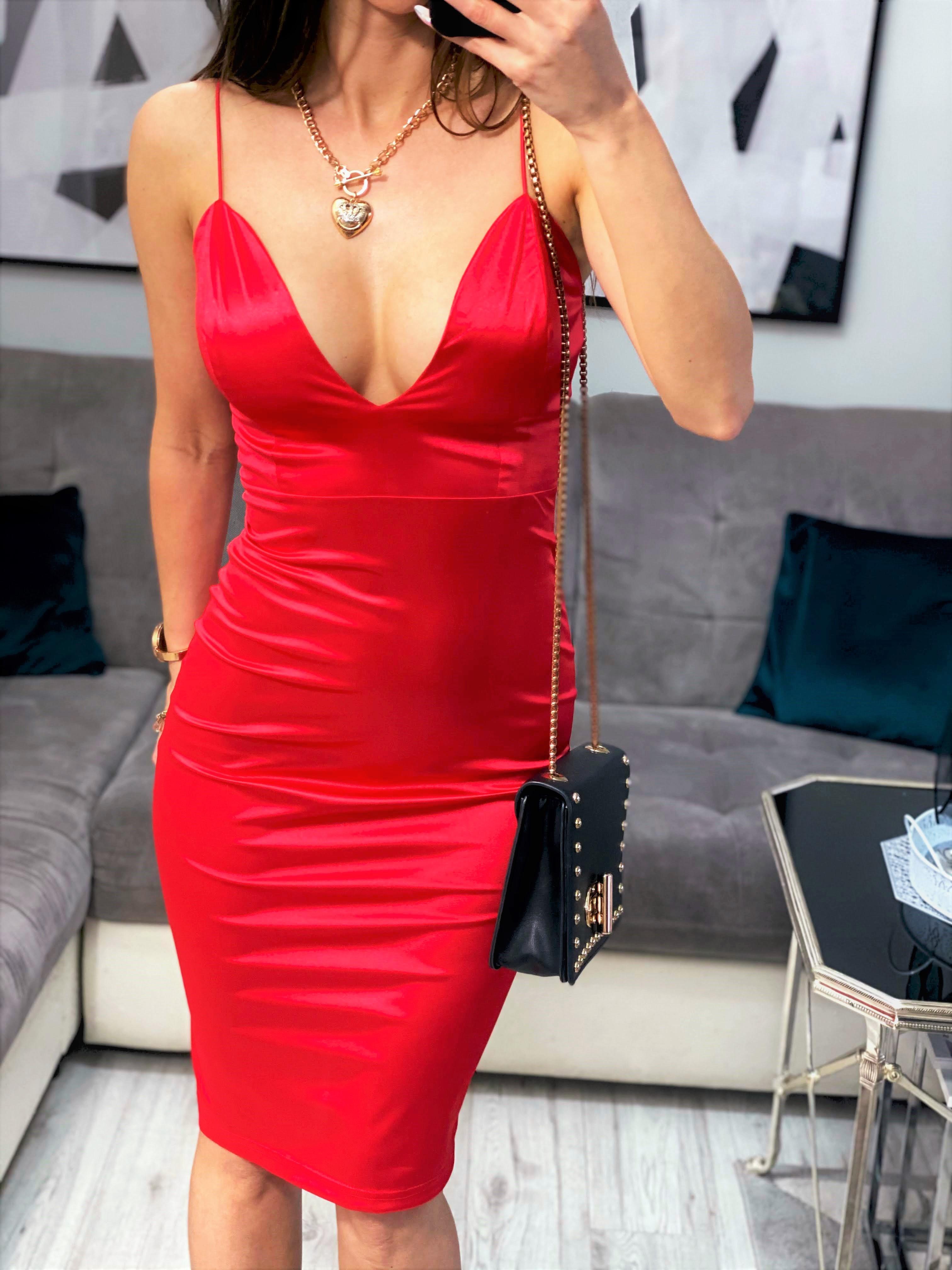 sukienka czerwona na wesele