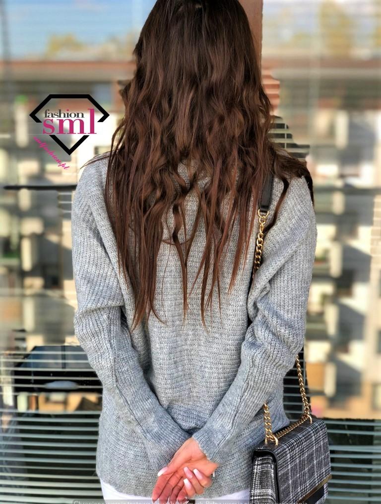 szary sweter długi, elegancki z prążkami