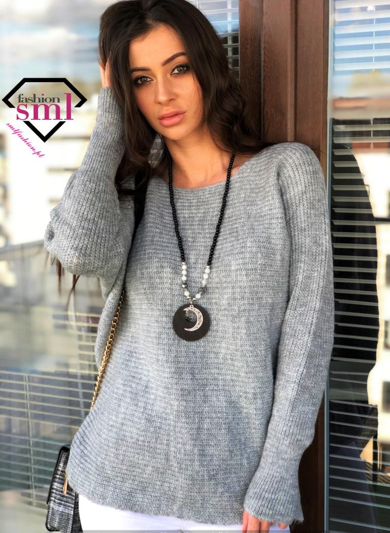szary sweter oversize ze sciagaczem przy rękawach długi