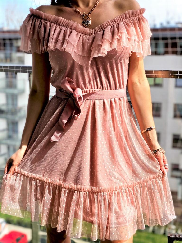 sukienki na ramiona tiulowe